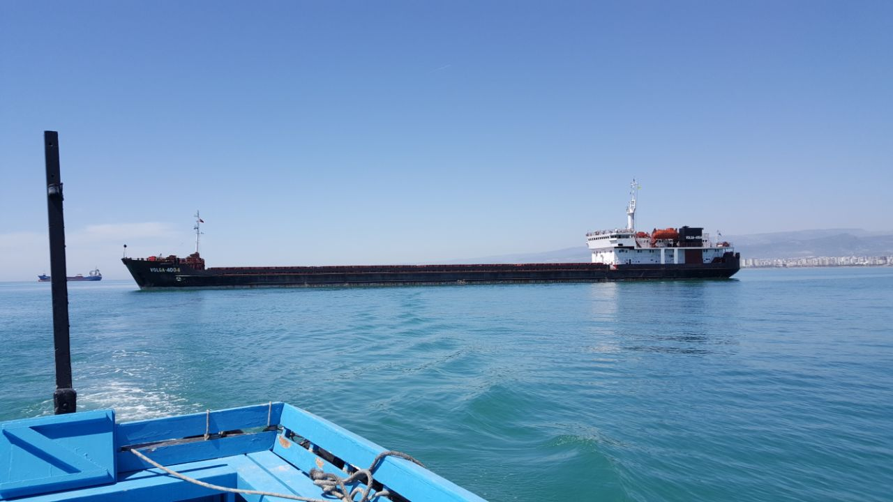 MV VOLGA 4004 – DISCHARGING COAL AT MERSIN INTERNATIONAL PORT.