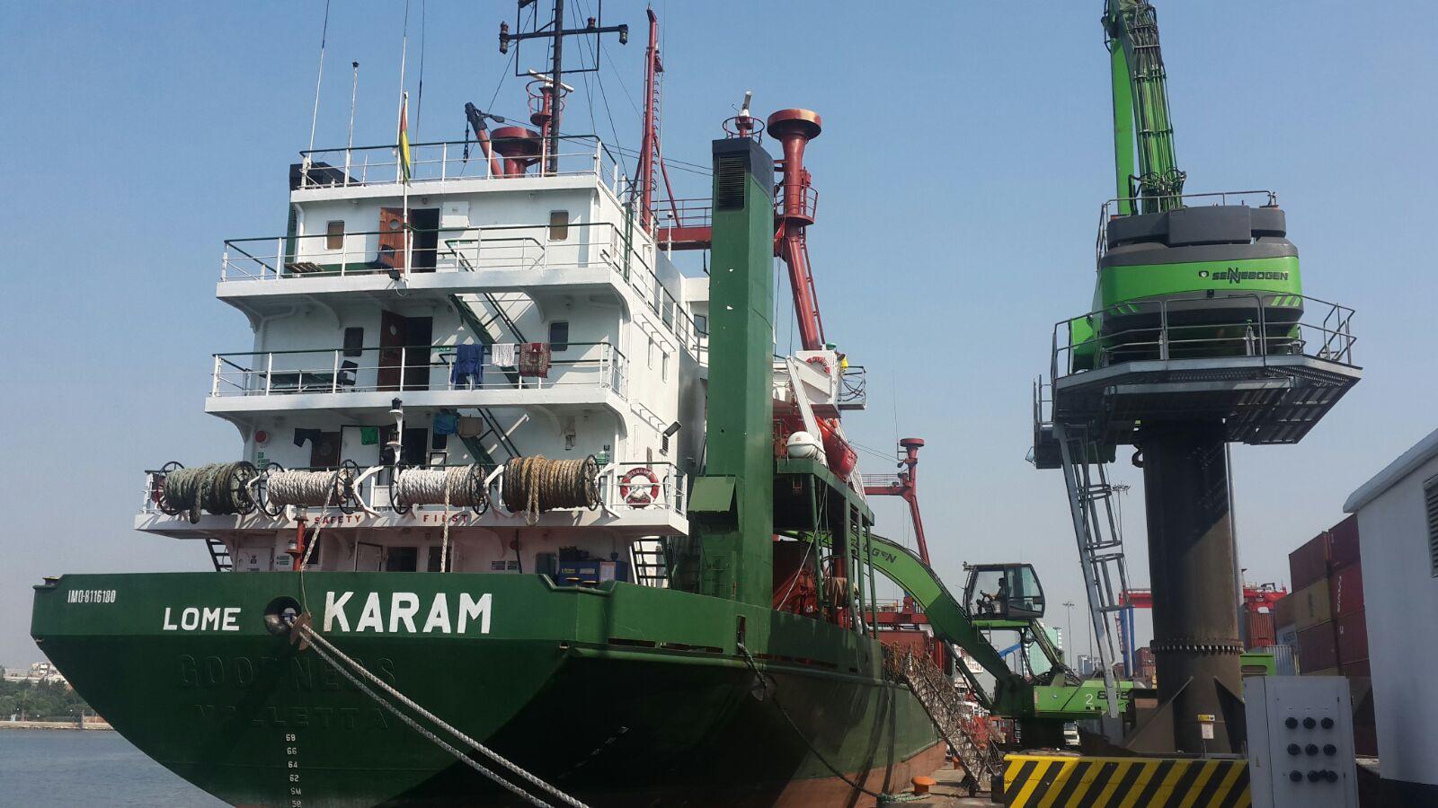 MV KARAM  – LOADING